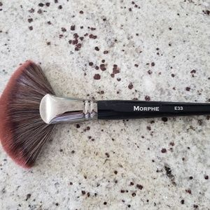 NWOT Morphe E33 Can Brush